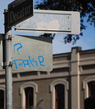 Fake-new-orleans-graffiti