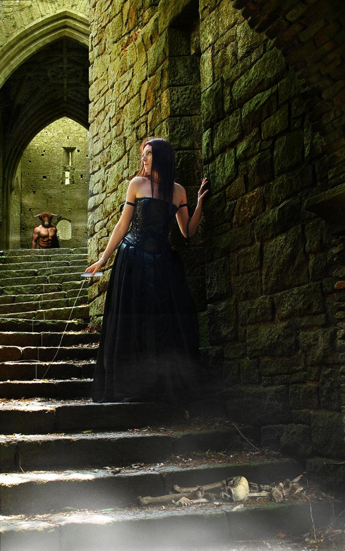 Daedalus-labyrinth-loutremauve