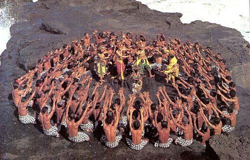 Bali-monkey-dance