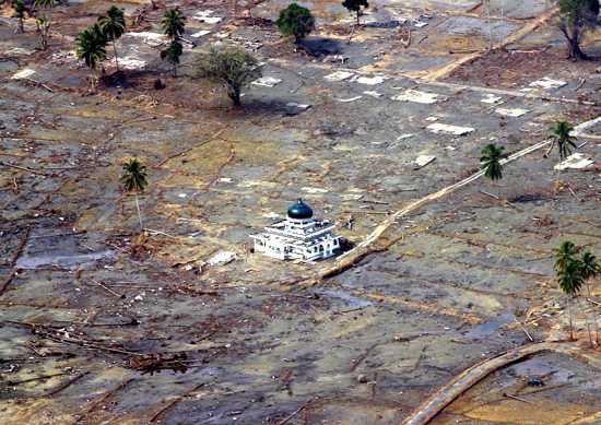 Mosque_tsunami_1